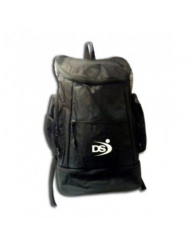 3e345124d722 The Arena Fastpack 2.1 backpack is designed for swimmers and triathletes.